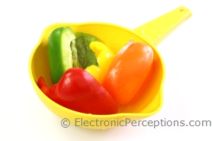 bell pepper Stock Photo: Peppers in Strainer